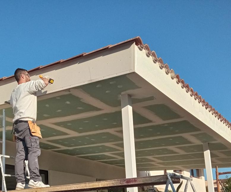 Elegir entre escayola o pladur escayolistas valencia - Molduras de escayola para techos ...